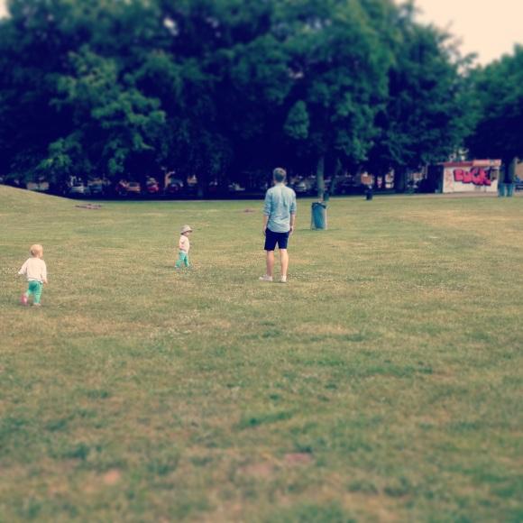 Pappa med barnen