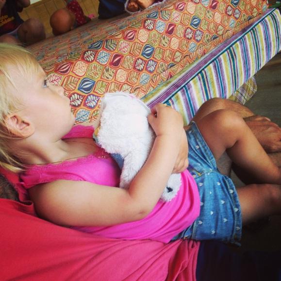 Lilly vilar i Pappas famn