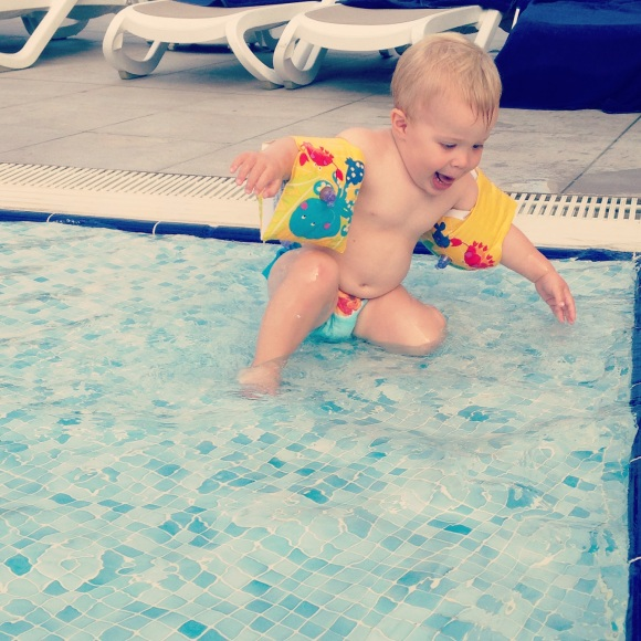 Hugo crazy i poolen