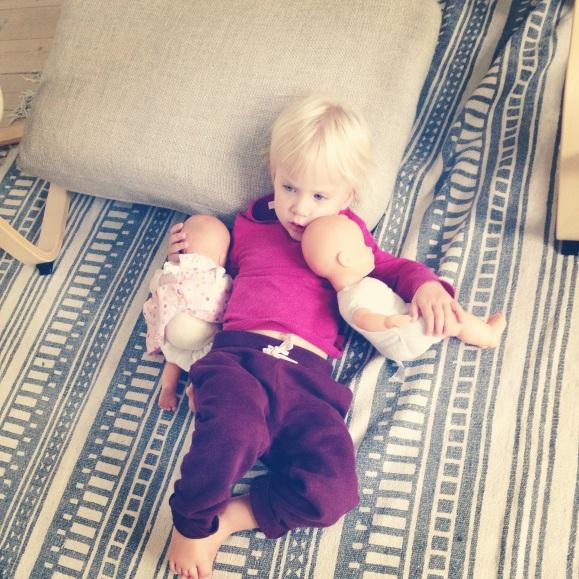Lilly med dockorna