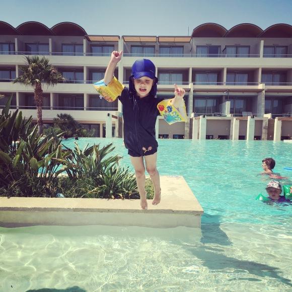 Lilly hoppar