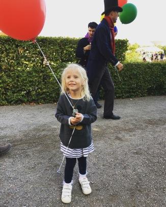 Lilly med ballong